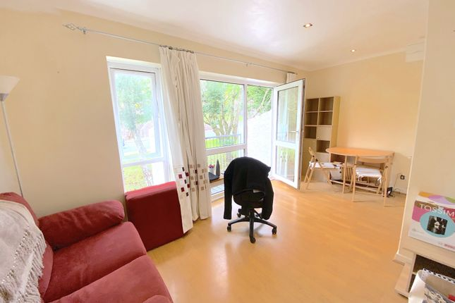 Thumbnail Flat to rent in Goldcrest Drive, Cardiff
