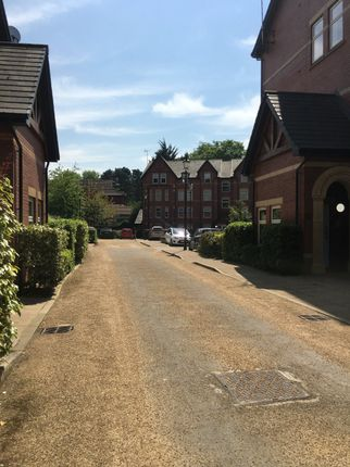 Thumbnail Flat to rent in Park Avenue, Mossley Hill, Liverpool, Merseyside