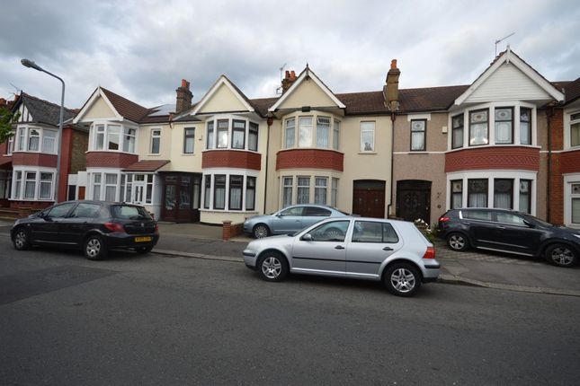 Thumbnail Terraced house for sale in Lynford Gardens, Ilford