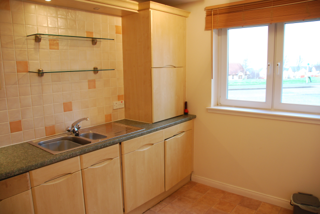 Thumbnail Flat to rent in Wester Inshes Court, Inverness, 5Hs