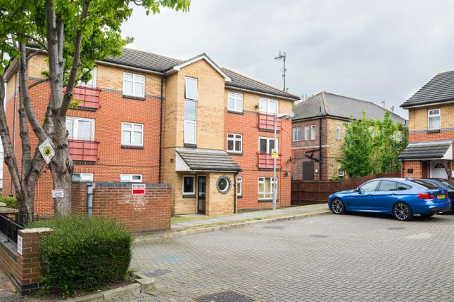 Thumbnail Flat for sale in Plumstead High St, Plumstead
