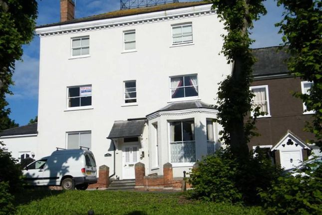 Thumbnail Flat to rent in High Street, Newnham