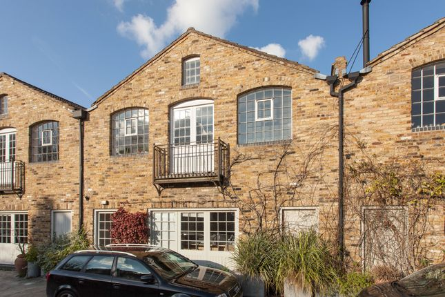 Thumbnail Mews house for sale in Choumert Mews, Peckham Rye