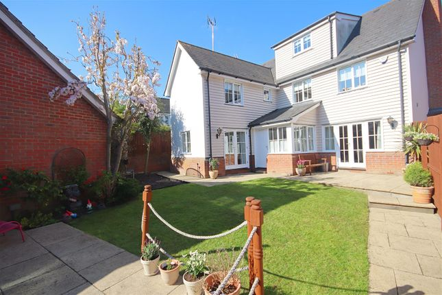 Thumbnail Detached house for sale in Thatchers Way, Great Notley, Braintree