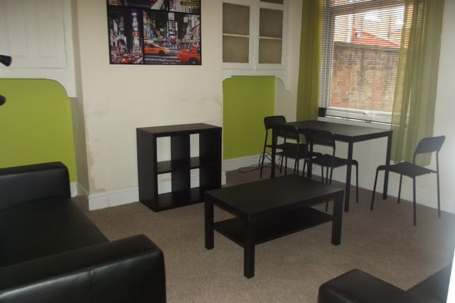 Thumbnail Flat to rent in Plungington Road, Fulwood, Preston