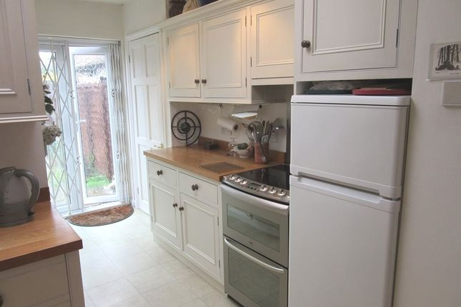 Thumbnail Cottage to rent in Garden Cottages, Off High Street, Colnbrook