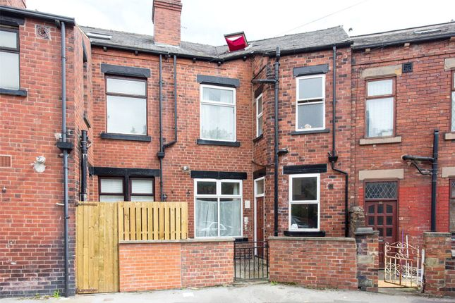 Thumbnail Property for sale in Aberdeen Walk, Leeds, West Yorkshire