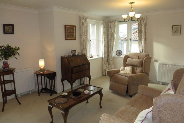 Thumbnail Flat to rent in Somerton Road, Street