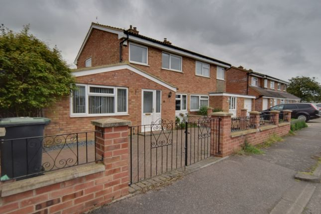 Thumbnail Semi-detached house for sale in Sandy View, Biggleswade, Bedfordshire