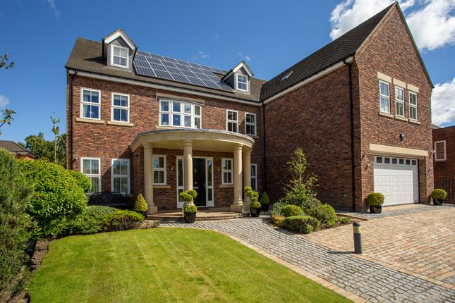 Thumbnail Detached house for sale in Kenton Avenue, Gosforth, Newcastle Upon Tyne