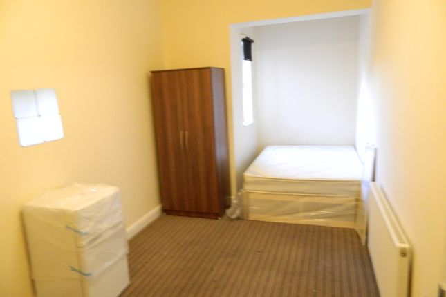 Thumbnail Shared accommodation to rent in Fargosford Street, Coventry
