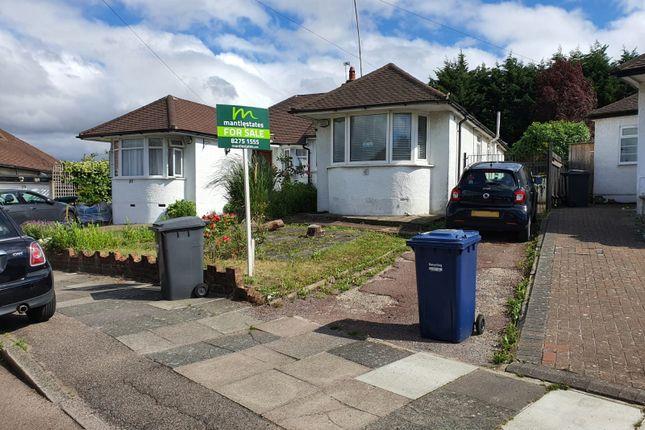 Thumbnail Semi-detached bungalow for sale in Derwent Avenue, East Barnet