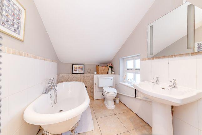 Bathroom of Rushett Close, Thames Ditton KT7