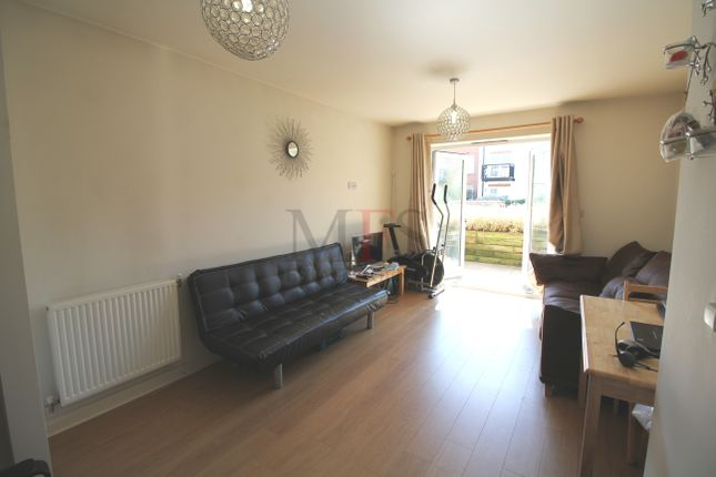 Thumbnail Flat to rent in Featherstone Court, Featherstone Road, Southall