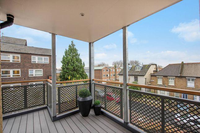 Thumbnail Flat to rent in Spring Grove, Kew Bridge