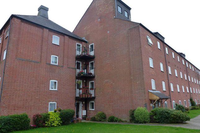 Thumbnail Flat to rent in Swonnells Court, Lowestoft
