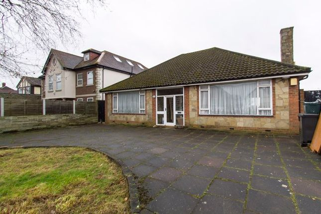 Thumbnail Detached bungalow to rent in Manor Road, Chigwell