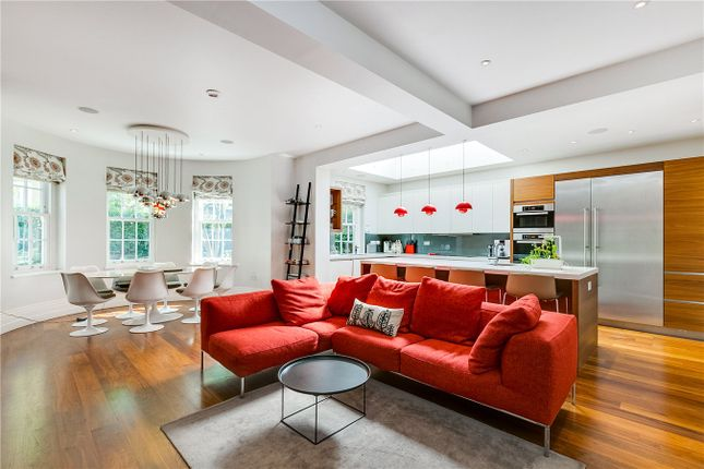 Thumbnail Detached house to rent in Springfield Road, London
