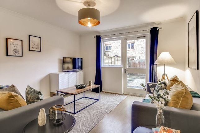 Thumbnail Terraced house to rent in Wesley Close, London