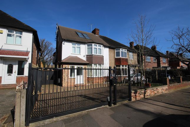 Thumbnail Semi-detached house for sale in Creswick Road, Acton