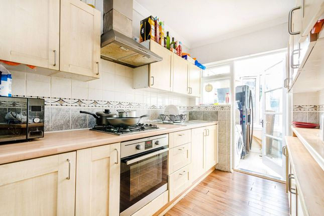 Thumbnail Property to rent in Red Lion Road, Tolworth