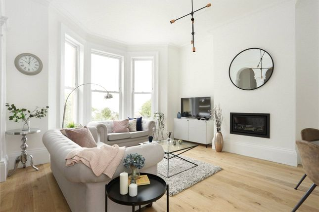 Flat for sale in Upper Oldfield Park, Bath