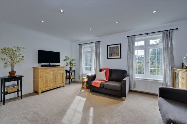 Picture No. 31 of Hillcrest, Weybridge, Surrey KT13