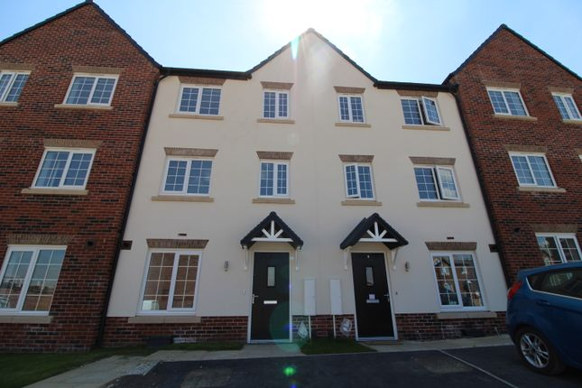 Town house for sale in Denby Close, Wingerworth