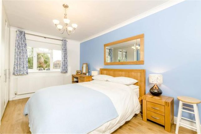 Bedroom of Rossdale Drive, Kingsbury NW9