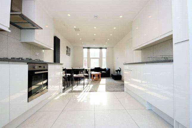 Thumbnail Flat to rent in Harringay Road, London