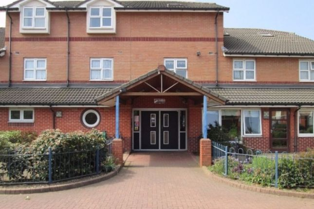 Thumbnail Flat to rent in Baker Street, West-Bromwich, West-Midlands