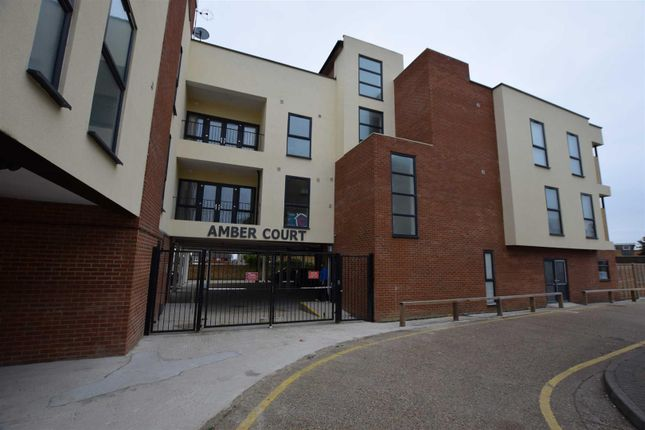 3 bed flat to rent in Amber Court, St Johns Way, Corringham SS17