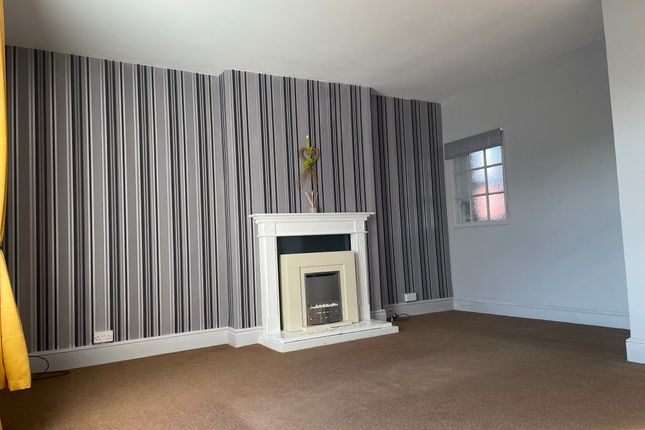 Thumbnail Maisonette to rent in New Street, Pontnewydd, Cwmbran