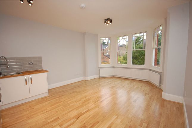 Thumbnail Shared accommodation to rent in Windsor Road, Finchley