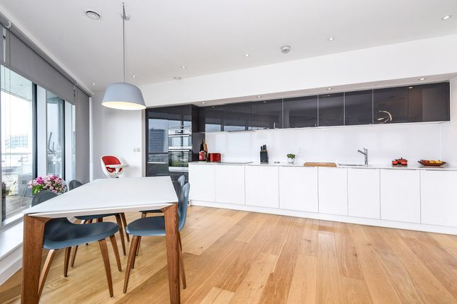 Thumbnail Flat for sale in Colonial Drive, Chiswick, London