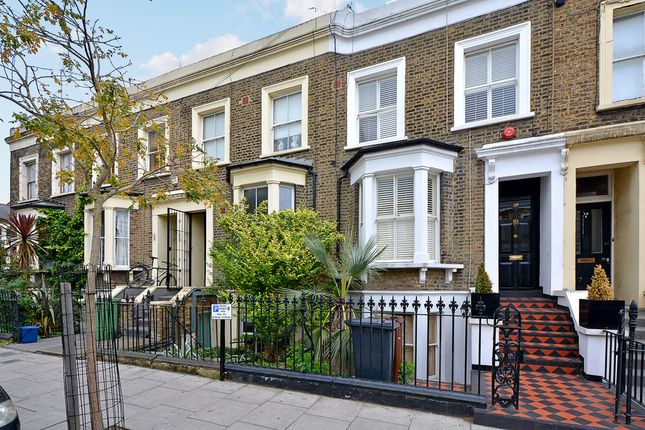 Thumbnail Flat for sale in Valentine Road, London