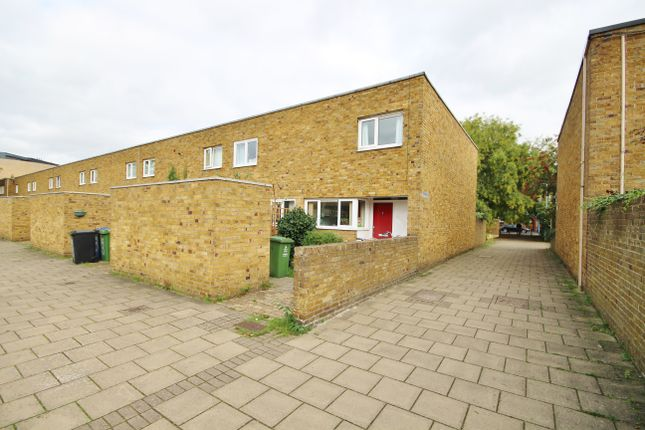 Thumbnail End terrace house for sale in Enfield, Cambridge