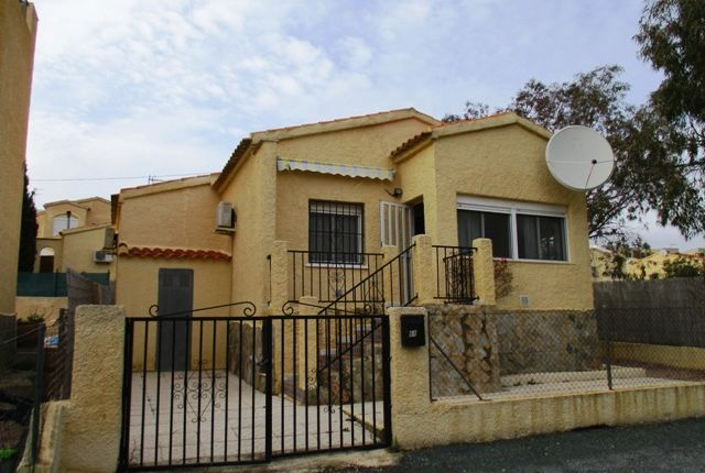 Detached bungalow for sale in Urbanización La Marina, Costa Blanca South, Costa Blanca, Valencia, Spain