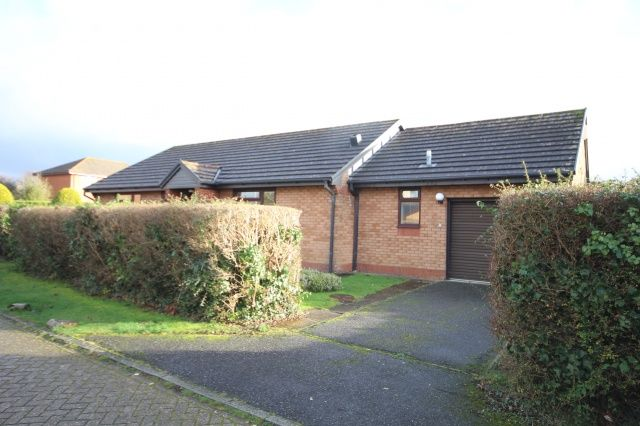 Thumbnail Bungalow for sale in Victoria Park, Wadebridge