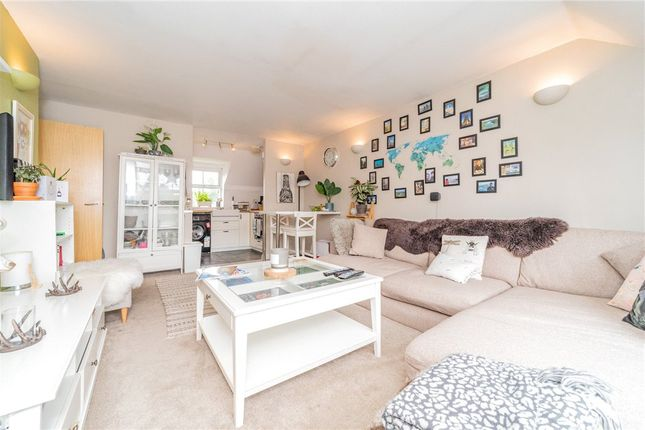 Living Area of Talavera Close, Crowthorne, Berkshire RG45