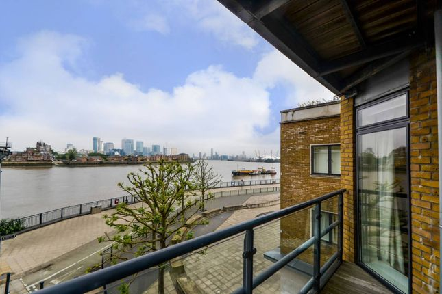 Thumbnail Flat to rent in Collington Street, Greenwich, London