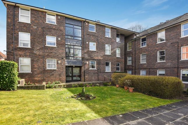 2 bed flat for sale in High Wycombe, Buckinghamshire