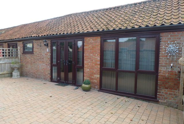 Thumbnail Barn conversion to rent in Main Road, West Winch