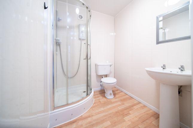 Bathroom   of Holmscroft Street, Greenock PA15