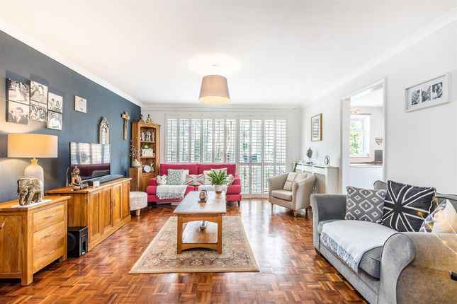 Thumbnail Flat for sale in Maple Road, London