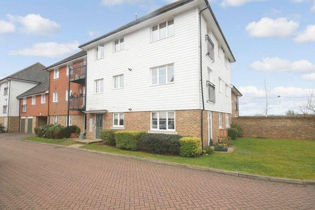 Thumbnail Flat for sale in Albion Way, Marlpit Hill, Edenbridge