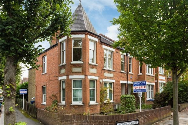 Thumbnail Flat for sale in Woodfield Avenue, Pitshanger Village, Ealing, London .