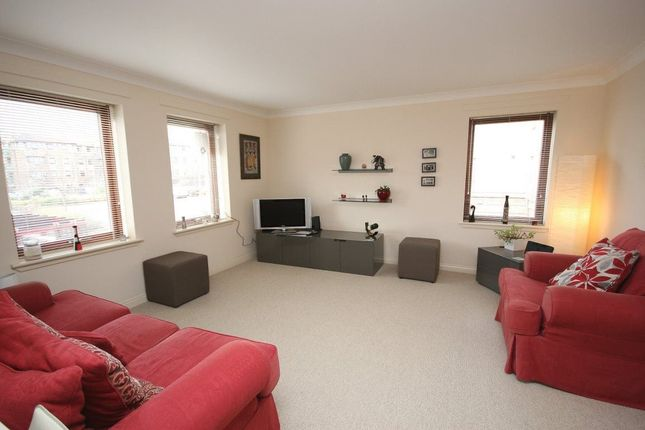 Thumbnail Flat to rent in North Werber Place, Edinburgh