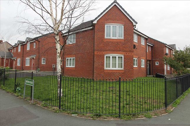 2 bed flat to rent in Wervin Road, Kirkby, Liverpool L32