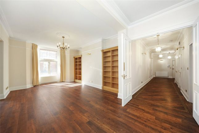 Flat for sale in Bickenhall Mansions, Bickenhall Street, Marylebone, London
